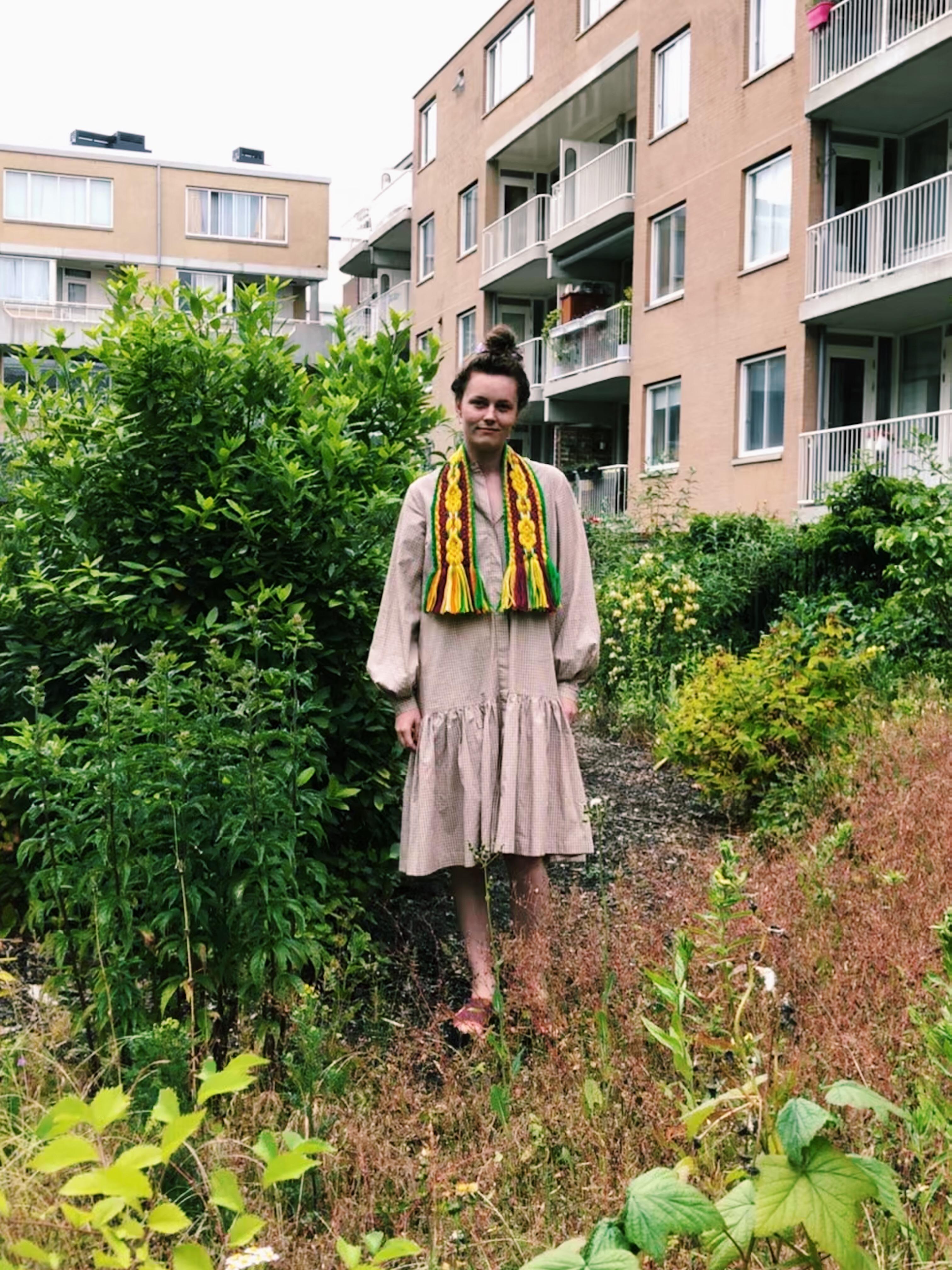Volendammer dasje Loret Karman